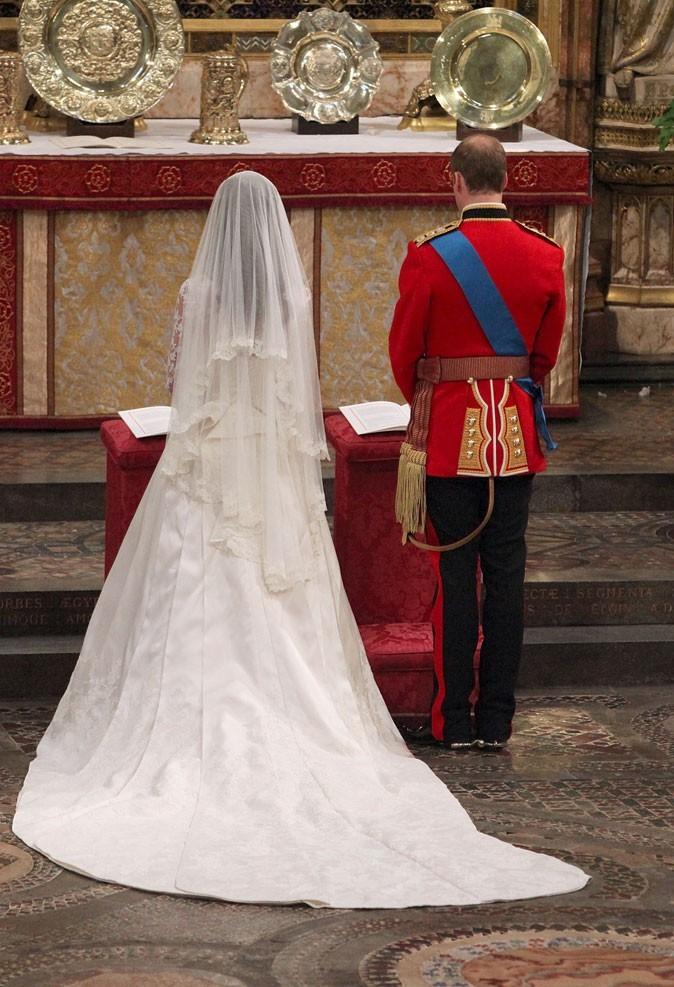 La robe de mariée de la princesse Kate de dos !