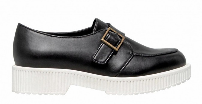 Creepers bicolores, Pull & Bear 39,99€