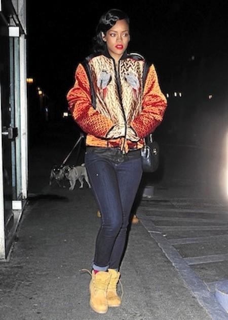 Rihanna : En Proenza Schouler, Rihanna joue les gros bras !