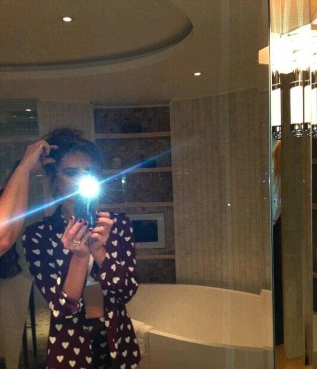 Victoria Beckham : Elle se dévoile de plus en plus sur Twitter !
