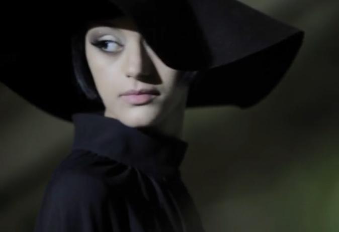 Zahia Dehar en shooting pour le magazine Next