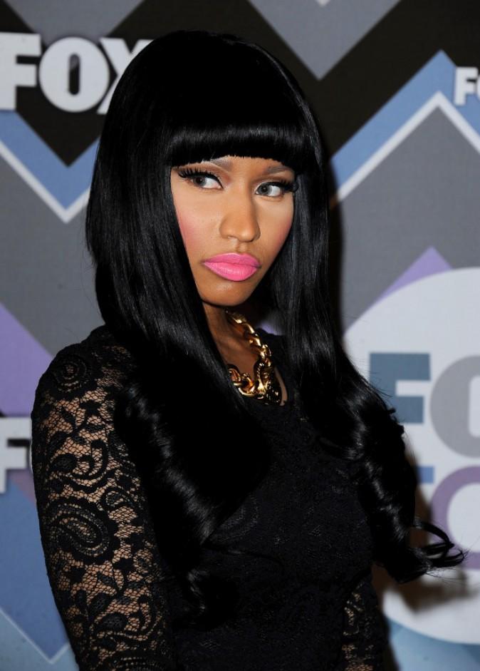 Nicki Minaj : focus sur son look nude !