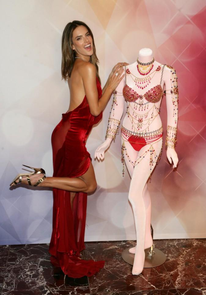 Photos : Alessandra Ambrosio et Adriana Lima : des Anges déchainés pour présenter le Fantasy Bra !