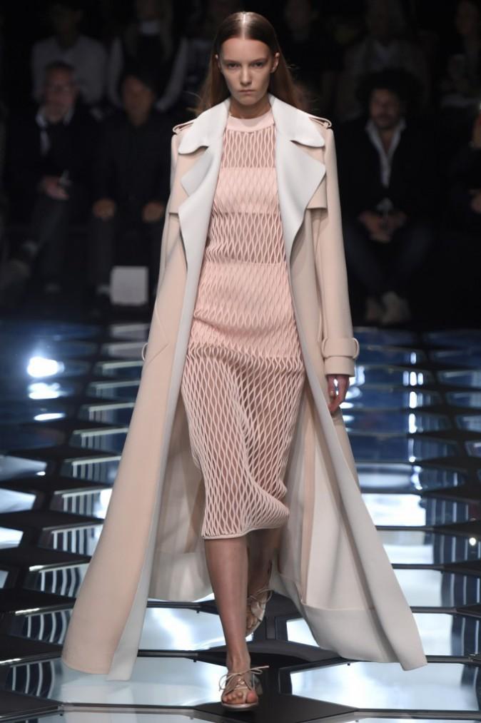 Défilé Balanciaga lors de la fashion week de Paris le 6 mars 2015