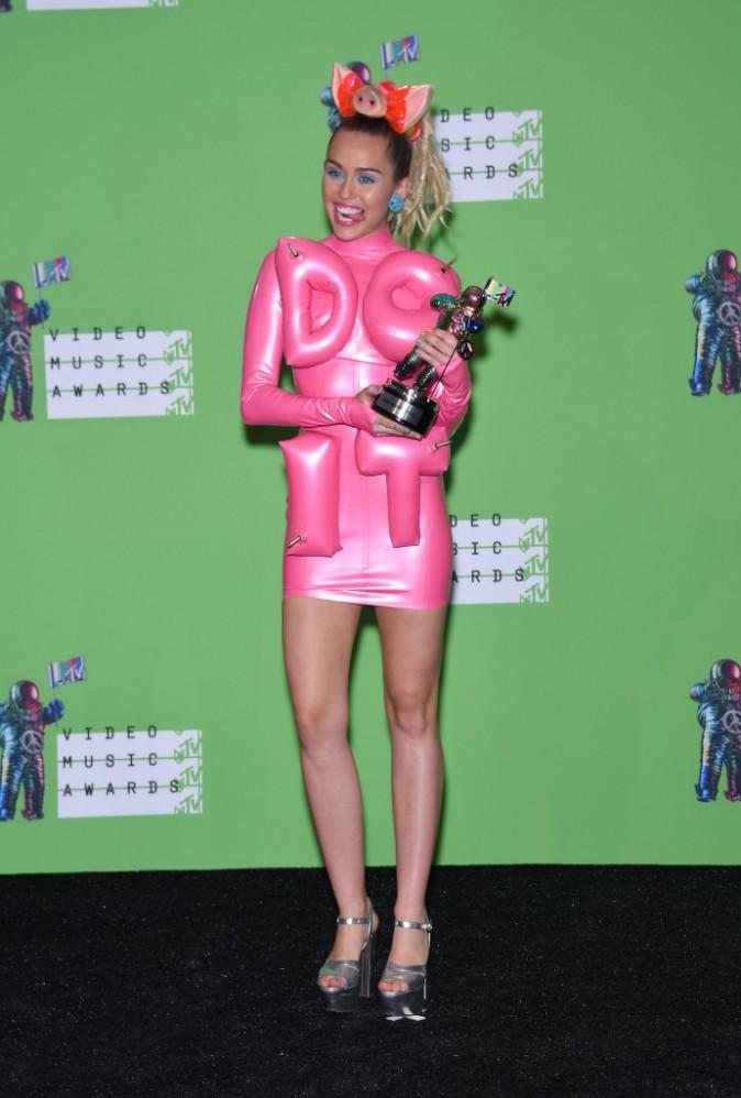 Miley Cyrus en robe House of Holland