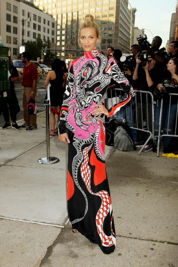 Anja Rubik lors du Gala de l'AmFAR le 16 juin à New York