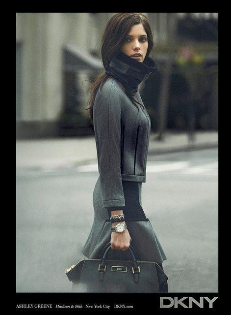 Ashley Greene pour DKNY Fall-Winter 2012