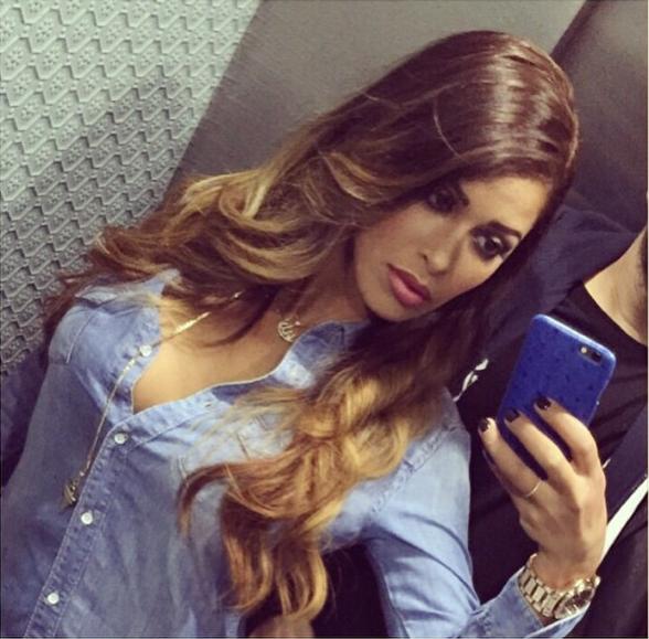 Ayem Nour en blonde