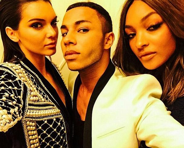 Jourdan Dunn, Olivier Rousteing et Kendall Jenner en plein selfie !