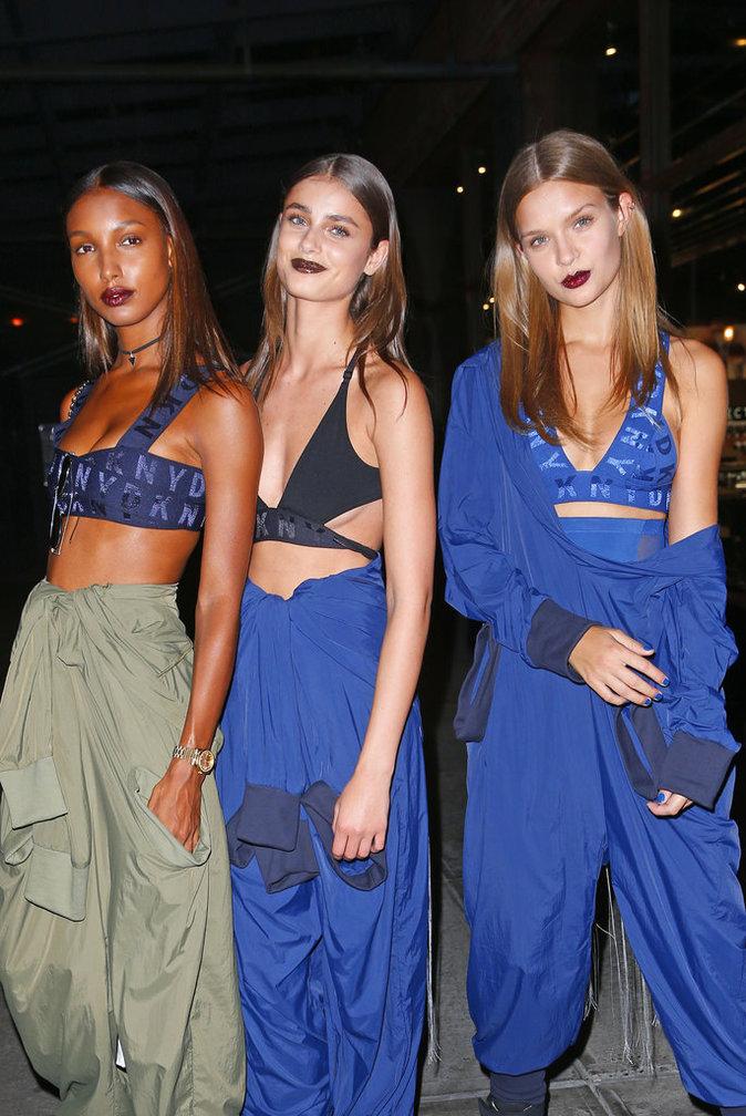 Jasmine Tookes, Taylor Hill et Josephine Skriver au défile DKNY à New York le 13 septembre 2016