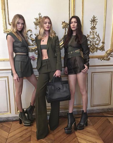 Photos : Bella Hadid, Rosie Huntington-Whiteley, Stella Maxwell... Le nouveau sac Versace qu'elles s'arrachent !