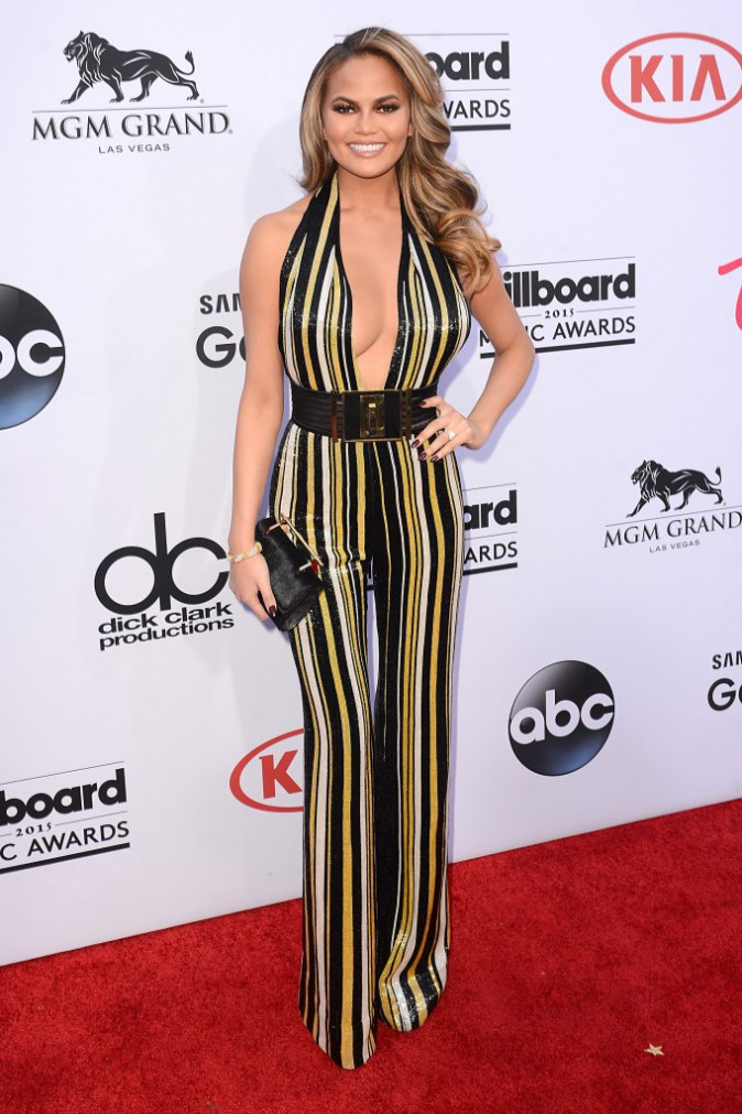 Chrissy Teigen en tenue Balmain, le 17 mai aux Billboard Music Awards 2015