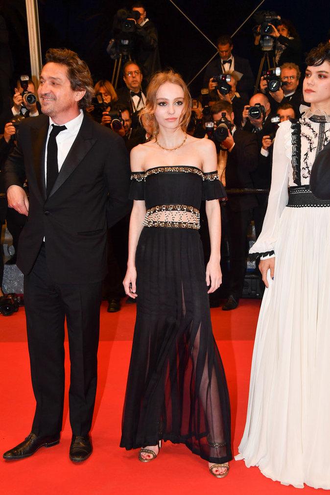Lily-Rose Depp sur le tapis rouge du 69e Festival de Cannes
