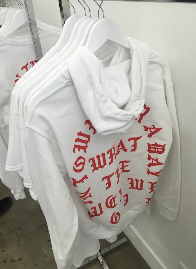 WHITE T-SHIRT - 55 euros