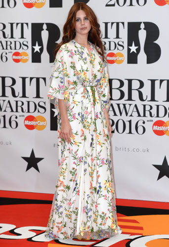 Photos : Brit Awards 2016 : Rihanna, Kylie Minogue, Alexa Chung : les plus beaux looks de la soirée!