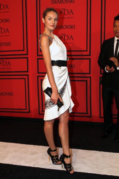 Photos : Candice Swanepoel : le top Victoria's Secret livre ses secrets beautés !