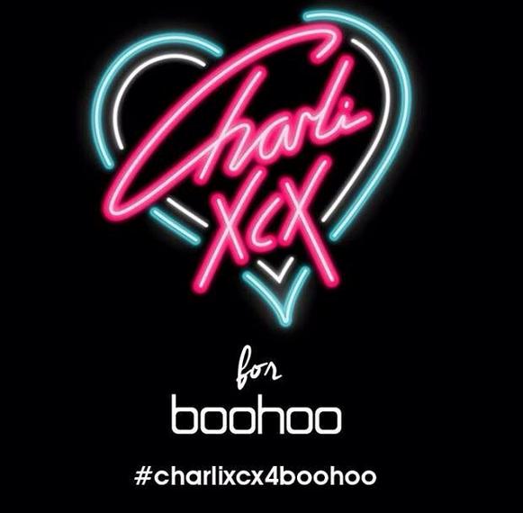 Photos : Charli XCX : la chanteuse lance sa ligne de vêtements !