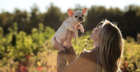 Chloë Grace Moretz pour la nouvelle campagne printemps-été 2016 de Coach