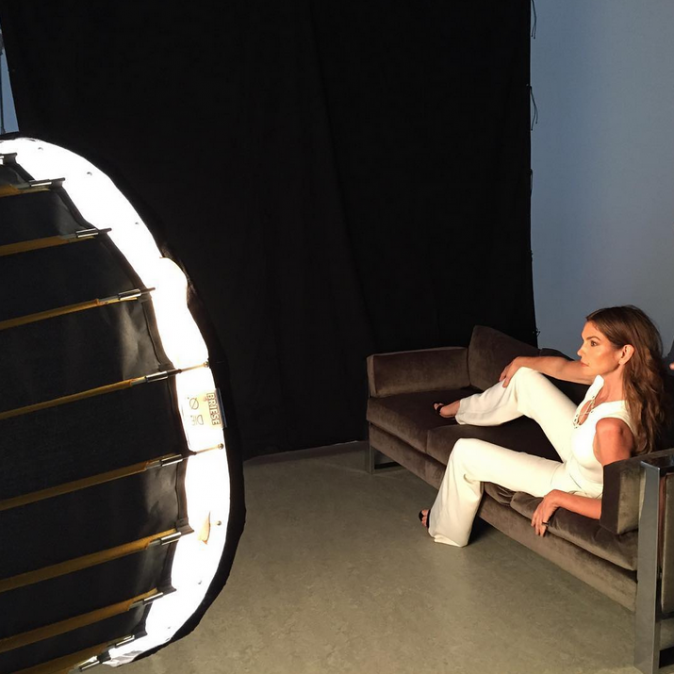 Cindy Crawford durant son shooting pour The Edit !