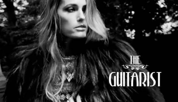 Yasmine Le Bon incarne le guitariste
