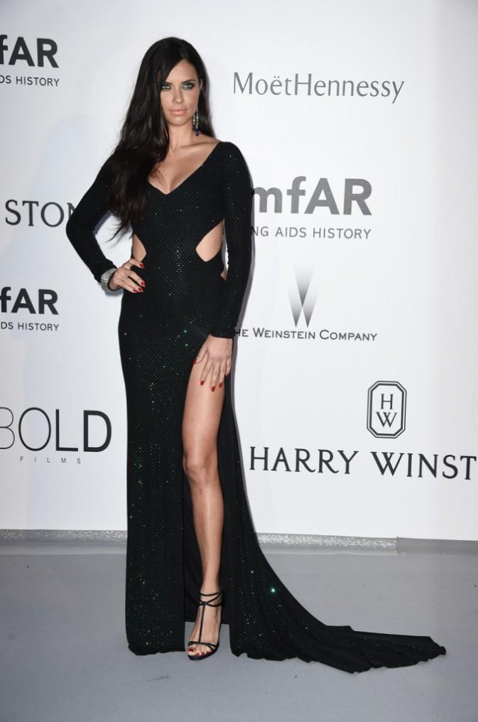 Adriana Lima en Alexander Vautier, le jeudi 22 mai au gala AmfAR