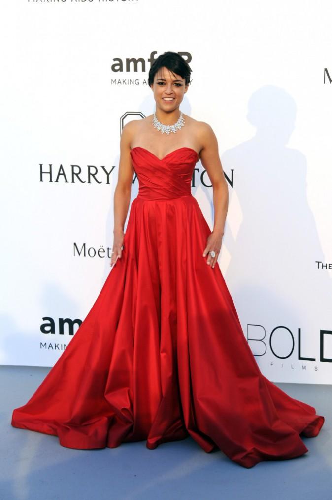 Michelle Rodriguez en Romana Keveza, le jeudi 22 mai au gala AmfAR