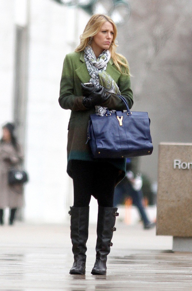 Blake Lively et le sac Yves Saint Laurent