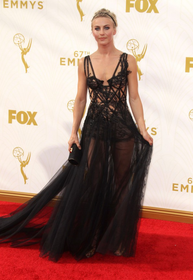 Julianne Hough aux Emmy Awards 2015