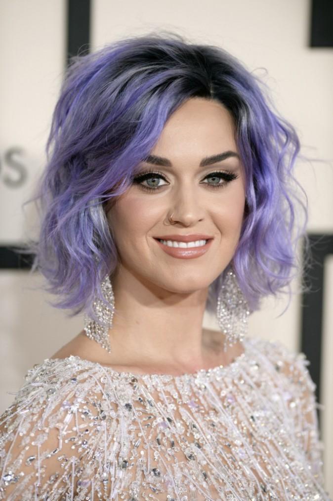 L'évolution capillaire de Katy Perry : 2015