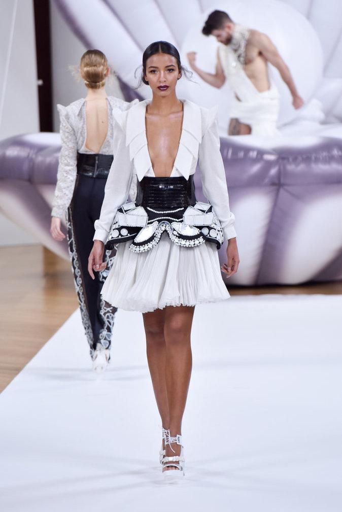 Photos fashion week haute couture flora coquerel miss france 2014 devient star du podium - Couture pour la maison ...