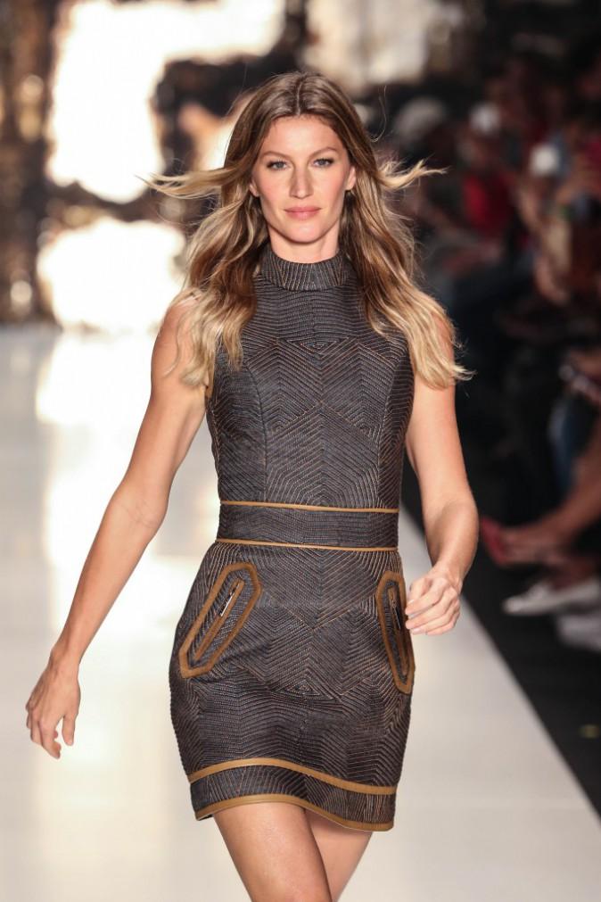 Colcci à Sao Paulo Fashion Week (05.11.14)