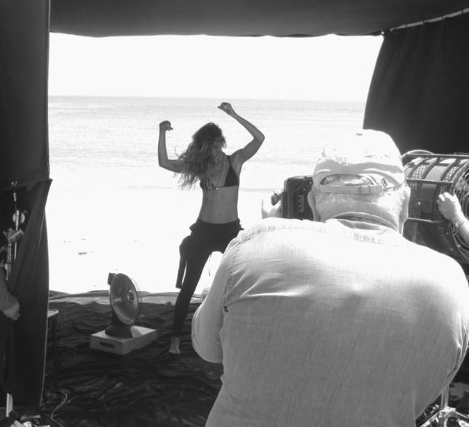 Gisèle Bundchen pose face à la mer pour le bijoutier David Yurman !