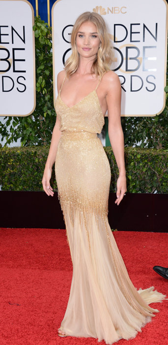 Rosie Huntington-Whiteley dans une robe Atelier Versace