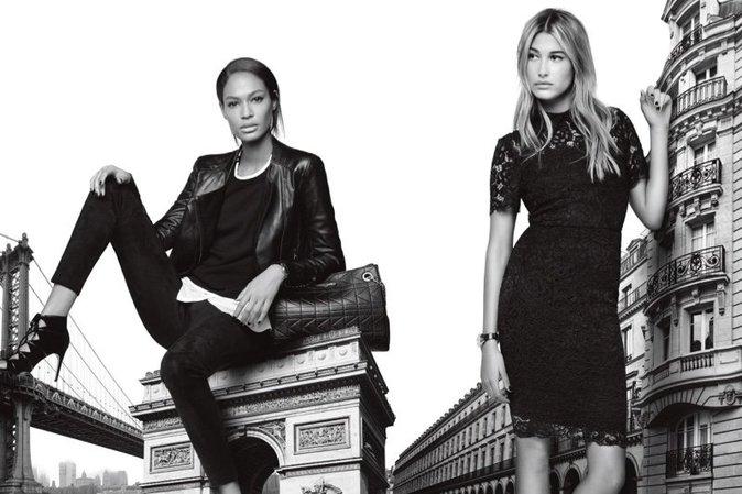 Photos : Hailey Baldwin et Joan Smalls : les nouvelles muses de Karl Lagerfeld !