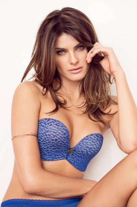 Isabeli Fontana pour Leonisa