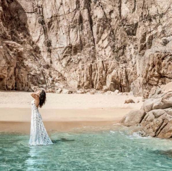 Photos : Isabeli Fontana : une naïade sexy pour Marie-Claire Brésil