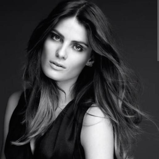 """Isabeli Fontana nouvelle égérie L'Oréal Paris : """"Je suis contente et très excitée de rejoindre le crew des femmes de valeurs"""" écrit-elle sur I..."""