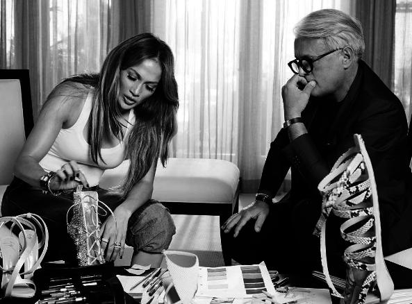 Photos : Jennifer Lopez : elle signe sa première collab' avec Giuseppe Zanotti !