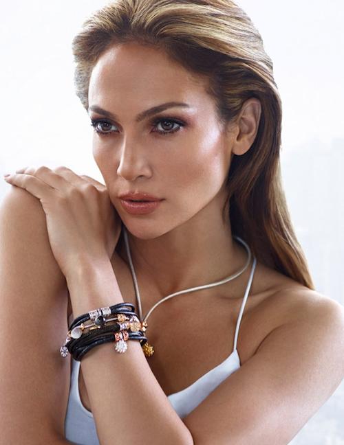 Photos : Jennifer Lopez, mannequin torride pour sa propre ligne de vêtements