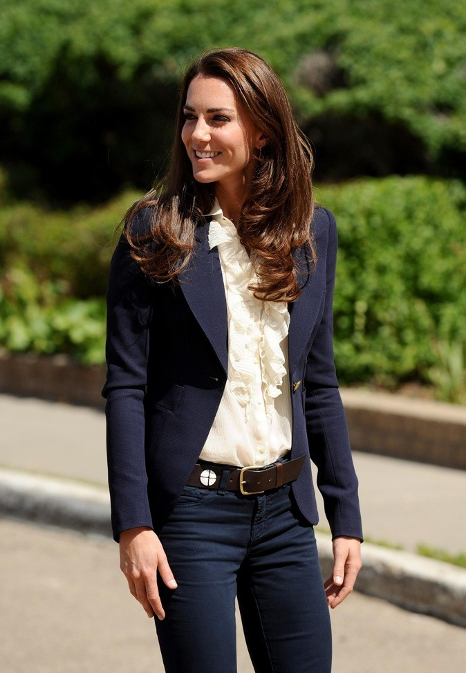 looks de kate middleton retour sur un an de style royal depuis son mariage. Black Bedroom Furniture Sets. Home Design Ideas