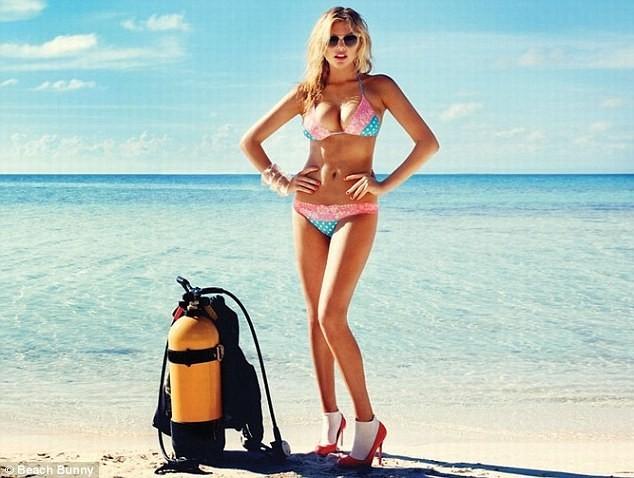 Kate Upton pour Beach Bunny.