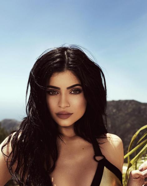 Kylie Jenner pour sa collaboration de bikinis avec Topshop
