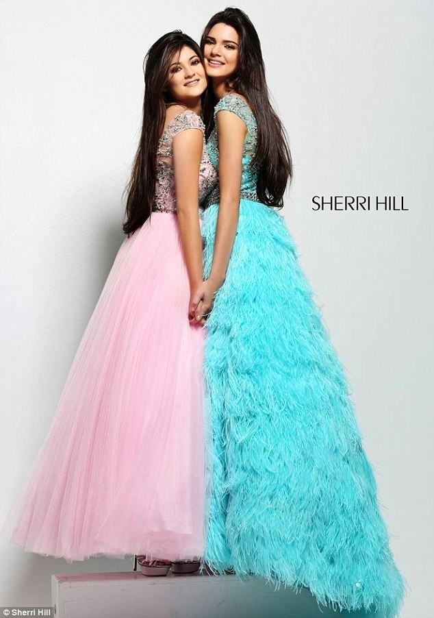Kylie et Kendall Jenner pour Sherri Hill.