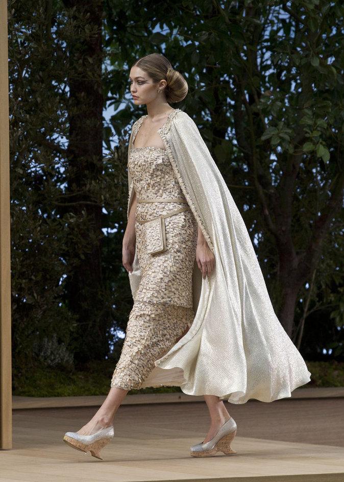 Gigi Hadid au défilé Chanel Haute Couture
