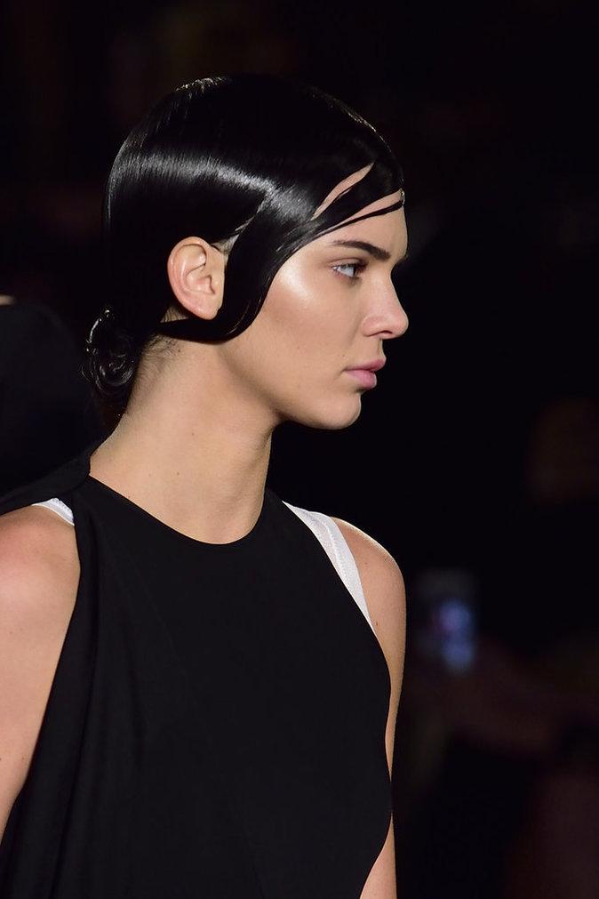 Photos : Kendall Jenner fait son unique défilé pour Givenchy !