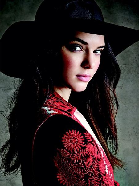Photos : Kendall Jenner : nouvelle égérie connectée pour Estée Lauder !