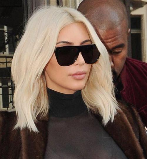 """En 2015, elle devient carrément blonde platine : """"Le changement capillaire le plus important que j'ai fait"""" !"""