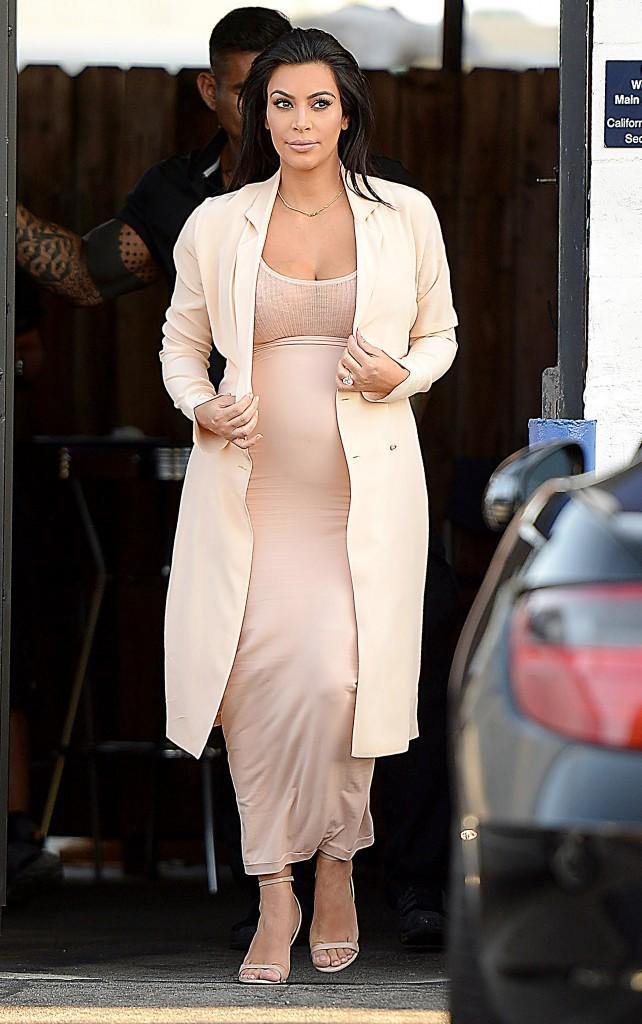 Kim K durant sa deuxième grossesse !