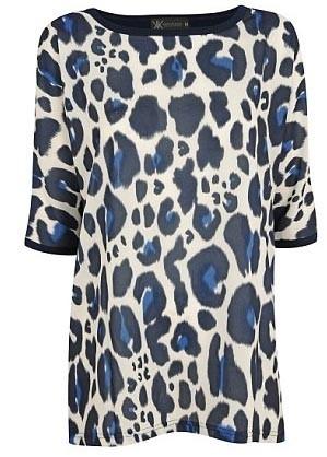 Haut bleu imprimé léopard - 37€