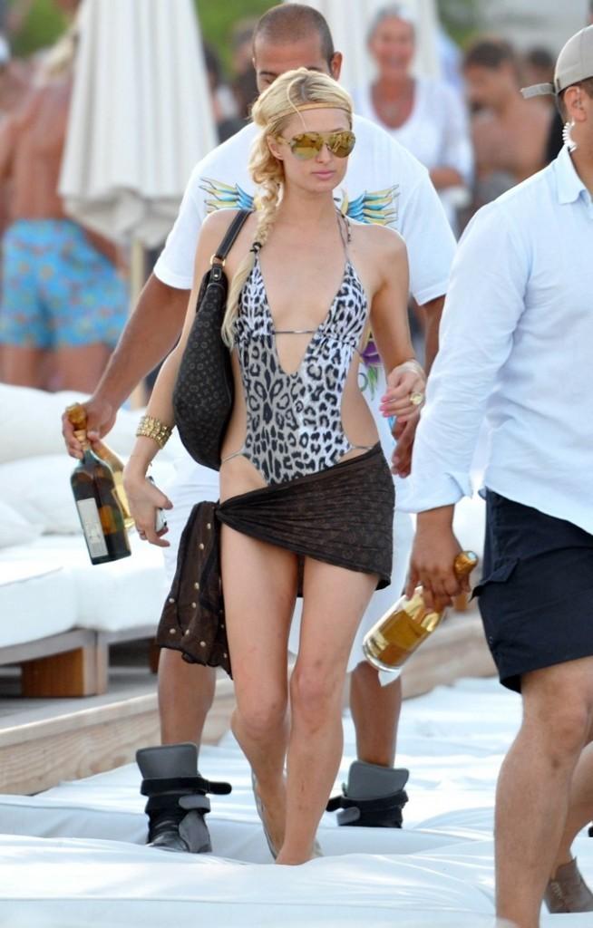 2010 : La reine du Nikki Beach !